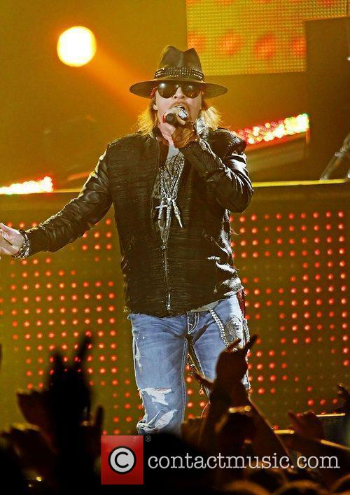 Axl Rose and Liverpool Echo Arena 9