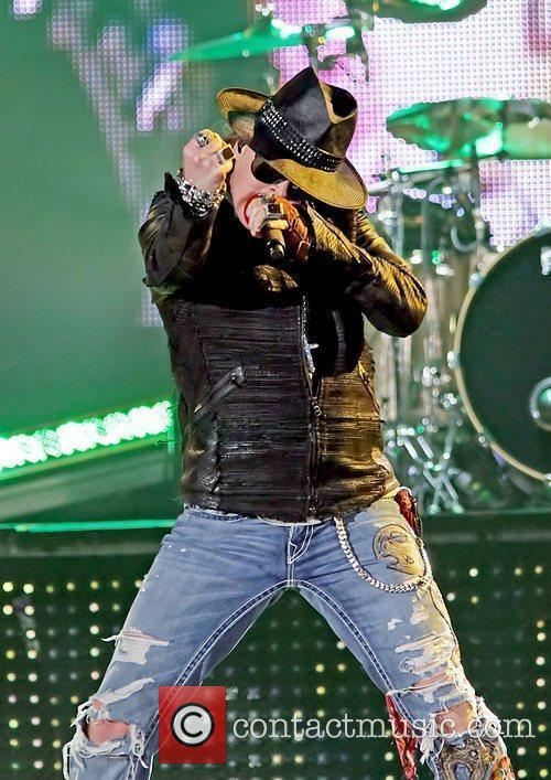 Axl Rose and Liverpool Echo Arena 34