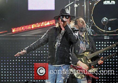 Axl Rose and Liverpool Echo Arena 12