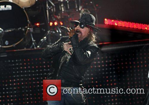 Axl Rose and Liverpool Echo Arena 16