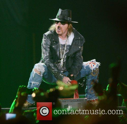 Axl Rose, Guns N Roses and O2 Arena 3