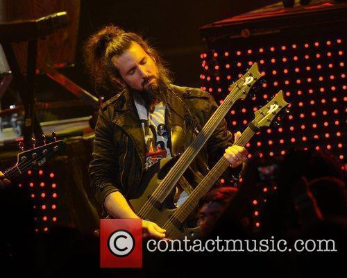 Ron Bumblefoot Thalof Guns and Roses perform at...