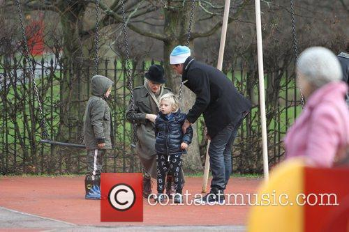 Gwen Stefani, Gavin Rossdale, Zuma Rossdale and Kingston Rossdale 5