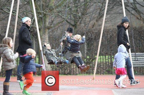 Gwen Stefani, Gavin Rossdale, Zuma Rossdale and Kingston Rossdale 6