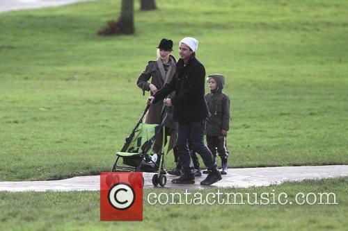 Gwen Stefani, Gavin Rossdale, Zuma Rossdale and Kingston Rossdale 8