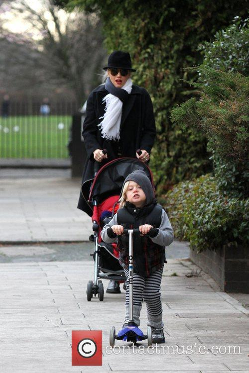 Gwen Stefani, Zuma, Princess Of Wales, Gavin, Kingston and Primrose Hill 3