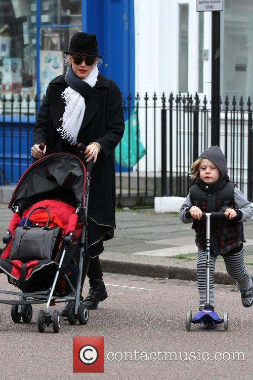 Gwen Stefani, Zuma, Princess Of Wales, Gavin, Kingston and Primrose Hill 5