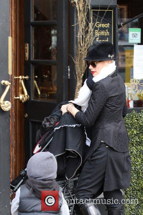 Gwen Stefani, Zuma, Princess Of Wales, Gavin, Kingston and Primrose Hill 6