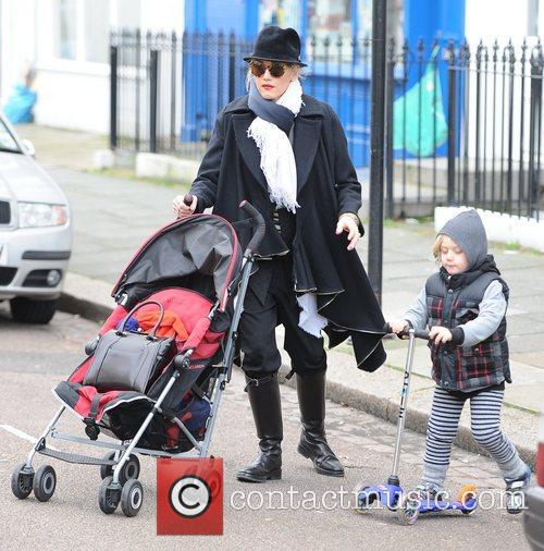 Gwen Stefani, Zuma, Princess Of Wales, Gavin, Kingston and Primrose Hill 1