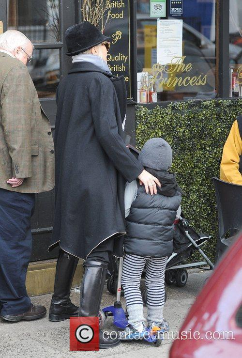 Gwen Stefani, Zuma, Princess Of Wales, Gavin, Kingston and Primrose Hill 9