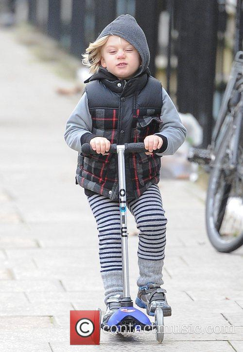 Gwen Stefani, Zuma, Princess Of Wales, Gavin, Kingston and Primrose Hill 14