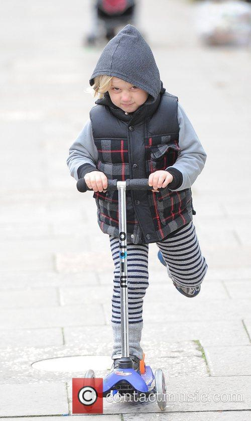 Gwen Stefani, Zuma, Princess Of Wales, Gavin, Kingston and Primrose Hill 8