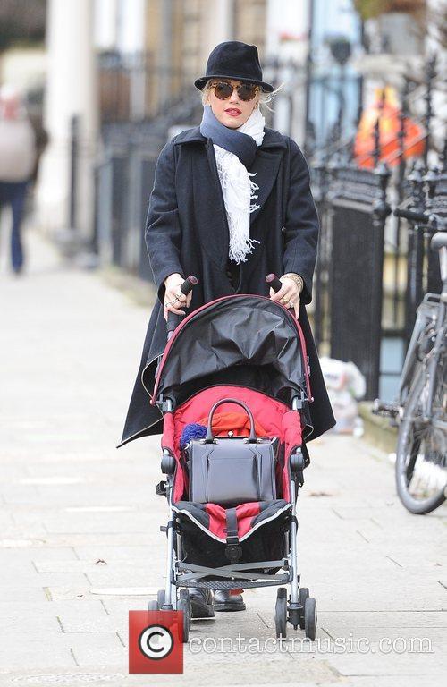 Gwen Stefani, Princess Of Wales, Gavin, Kingston and Primrose Hill 14
