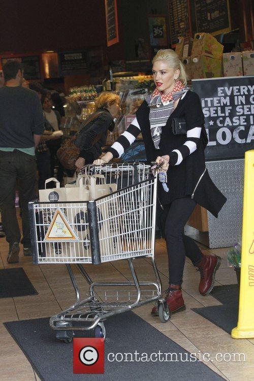 Gwen Stefani   Gwen Stefani takes her...
