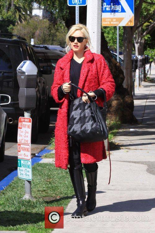 Gwen Stefani spends the day in the park...