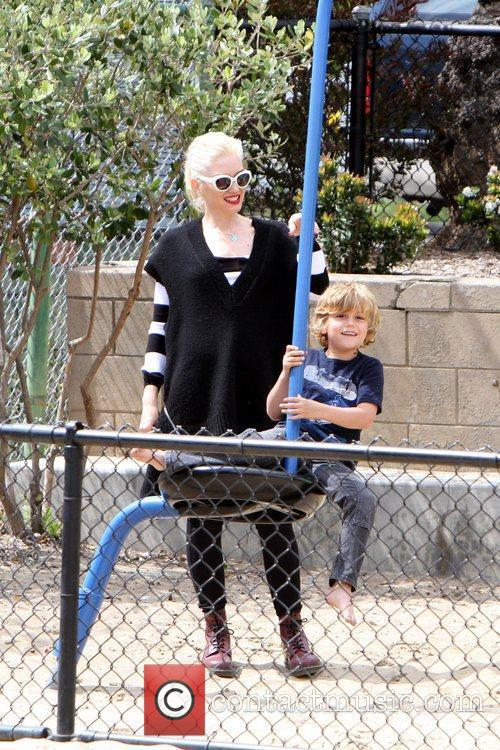 Gwen Stefani , Kingston Rossdale Gwen Stefani takes...