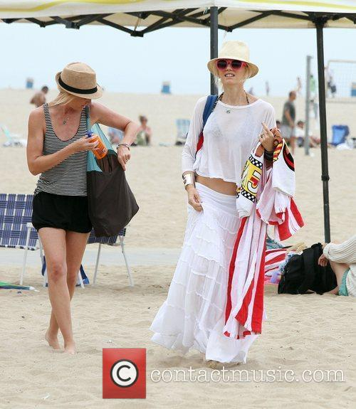 Gwen Stefani enjoys the day on Santa Monica...