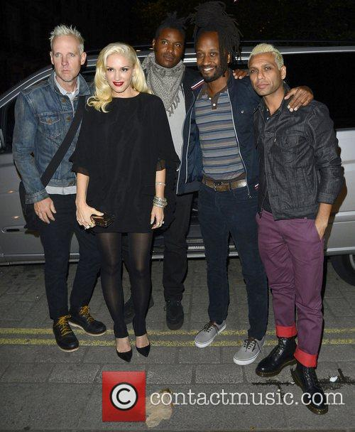 Gwen Stefani, No Doubt, Stephen Bradley, Tom Dumont, Gabrial McNair, Tony Kanal, Novikov, Mayfair. No Doubt, Push and Shove 1