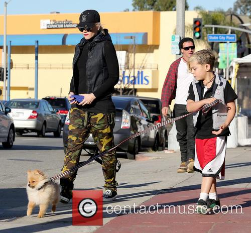 Gwen Stefani, Kingston Rossdale and Gavin Rossdale 7