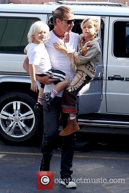 Gavin Rossdale, Zuma Rossdale and Kingston Rossdale 4