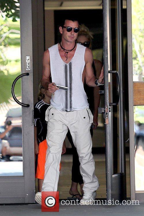 Gavin Rossdale leaves an office building in Sherman...