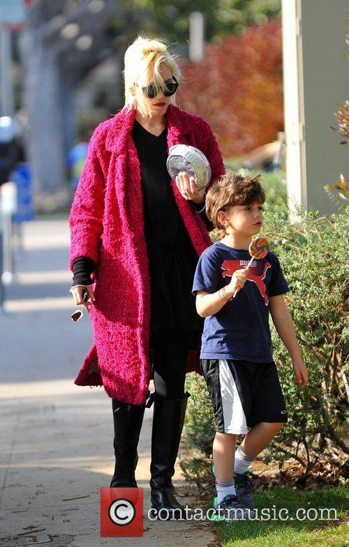 Gwen Stefani and her son Kingston Rossdale spend...