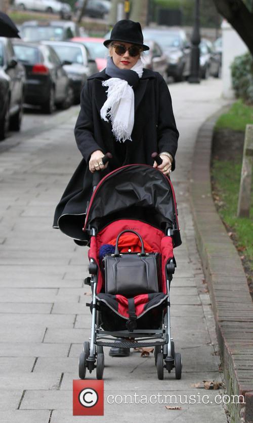 Gwen Stefani Gwen Stefani and her son, Zuma...
