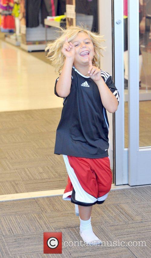 Kingston Rossdale Gwen Stefani spends the day shopping...