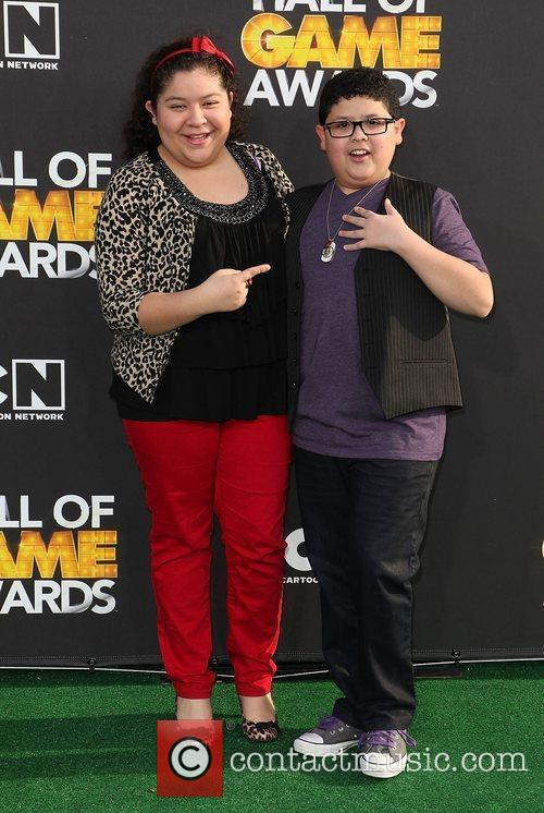 Rico Rodriguez and Raini Rodriguez 6