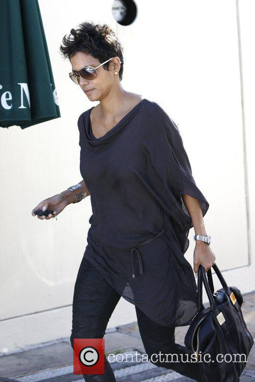 Halle Berry and Cafe Med 3