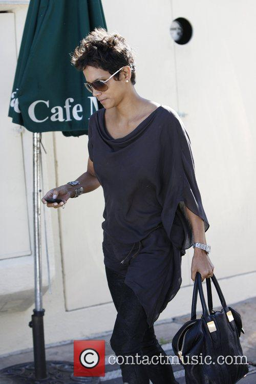 Halle Berry and Cafe Med 7