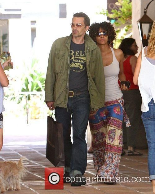 Halle Berry and Olivier Martinez 2
