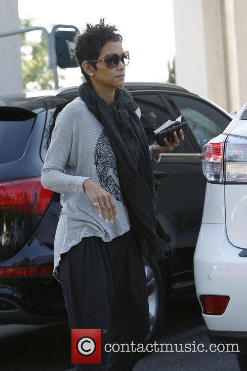halle berry seen out and about in 5956362