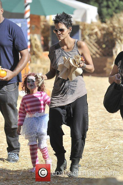 Halle Berry and Nahla 5