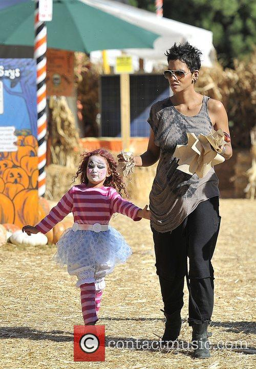 Halle Berry and Nahla 1