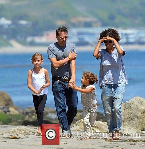 Halle Berry, Olivier Martinez and Malibu Beach 3