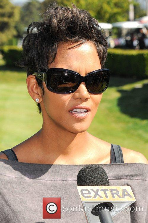 Halle Berry and Celebrity Golf Classic 5