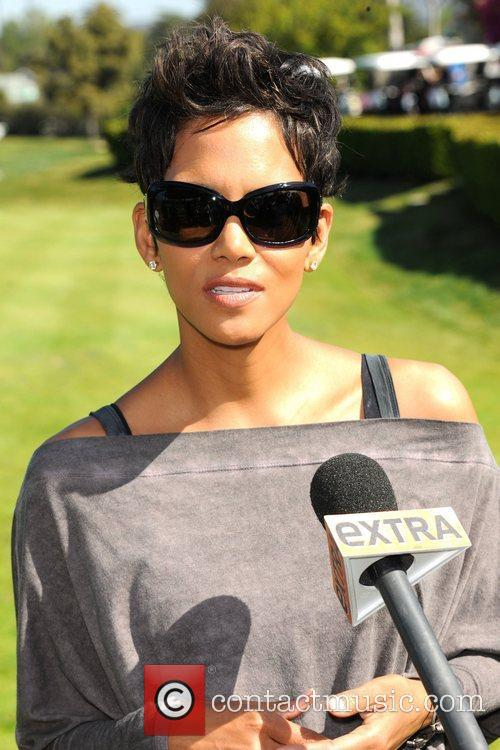 Halle Berry and Celebrity Golf Classic 8