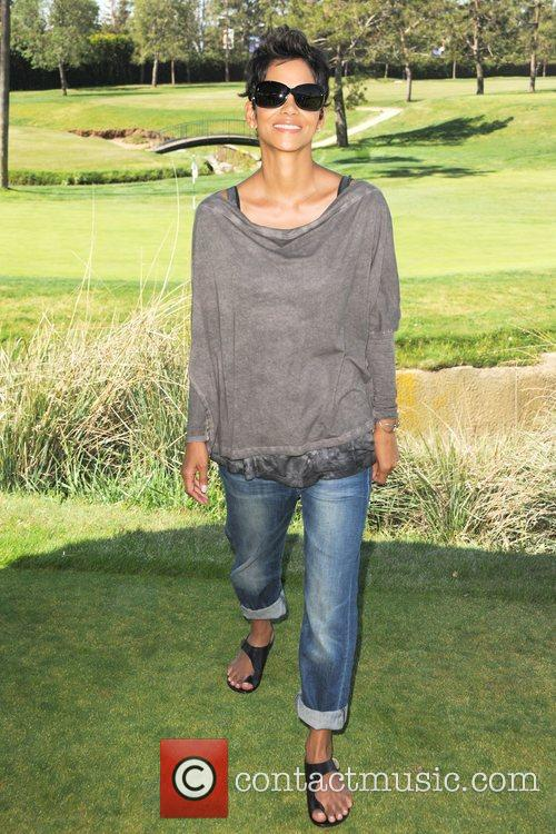Halle Berry and Celebrity Golf Classic 10