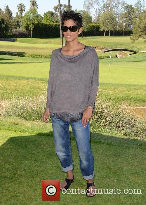 Halle Berry and Celebrity Golf Classic 15