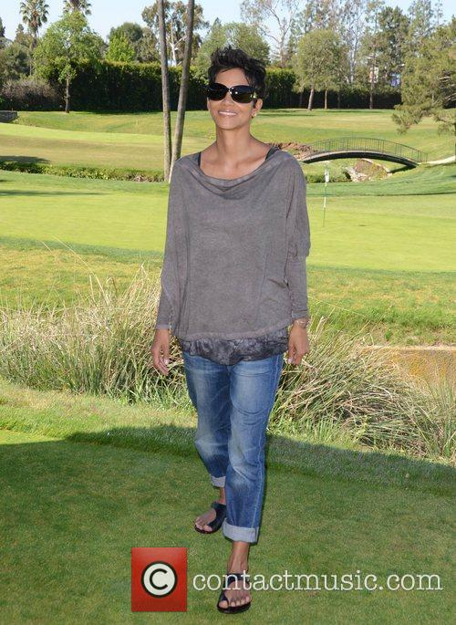Halle Berry and Celebrity Golf Classic 16