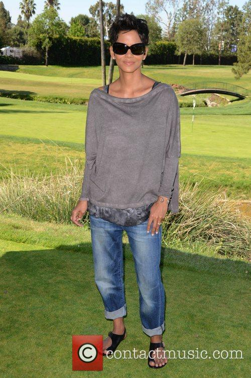 Halle Berry and Celebrity Golf Classic 20