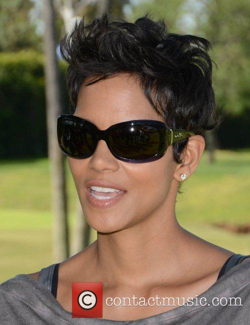 Halle Berry and Celebrity Golf Classic 21