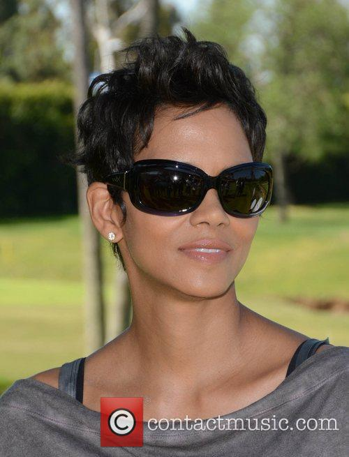 Halle Berry and Celebrity Golf Classic 22