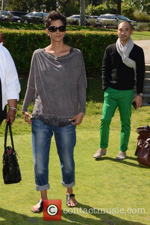 Halle Berry and Celebrity Golf Classic 25