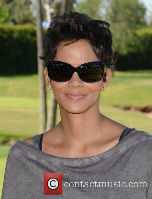 Halle Berry and Celebrity Golf Classic 27