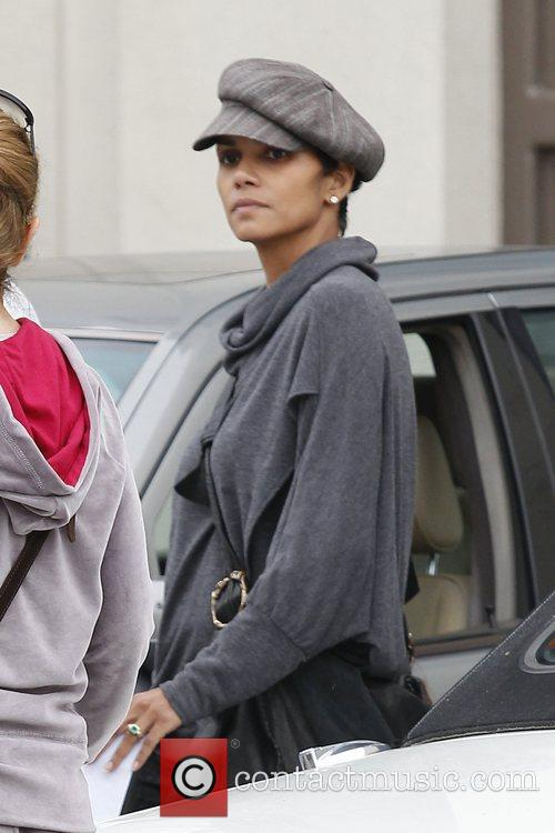 Halle Berry and Nahla Aubry 2