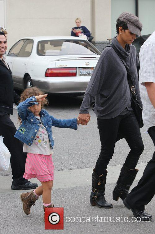 halle berry seen with her daughter nahla 5962344