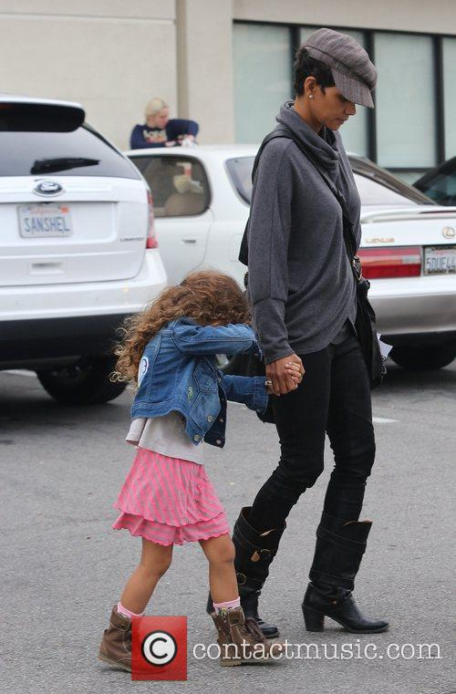 halle berry seen with her daughter nahla 5962345