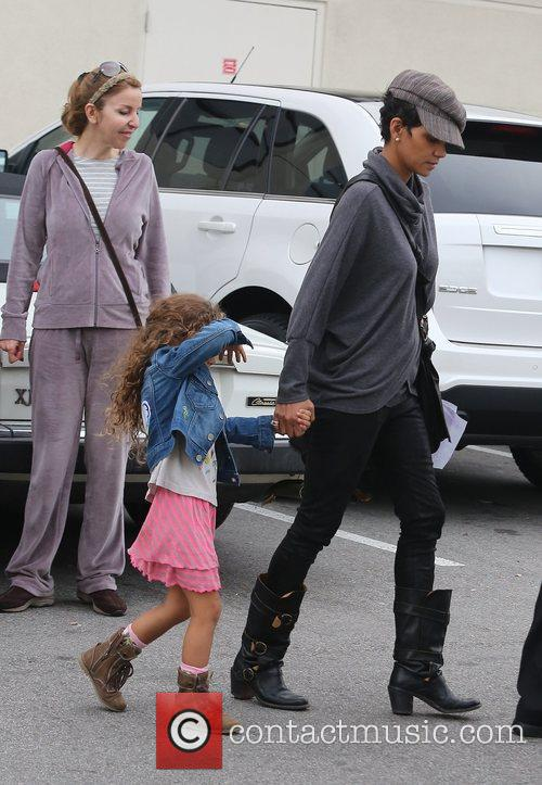 halle berry seen with her daughter nahla 5962350